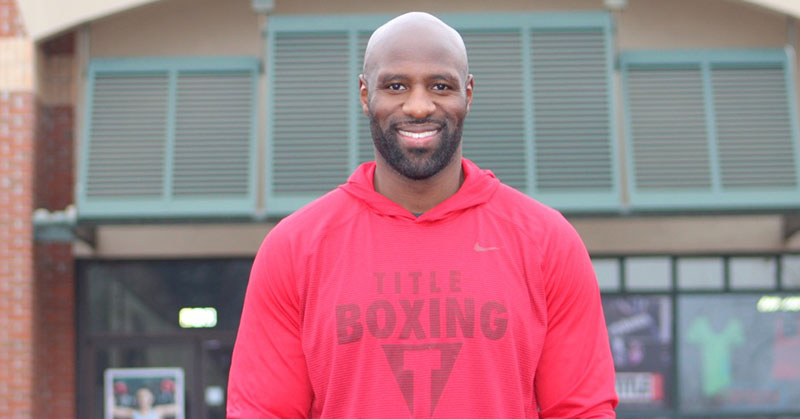 Former NFL Linebacker Tackles Title Boxing Club