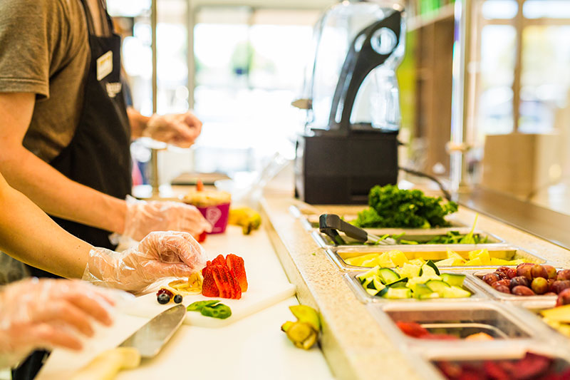 Juice It Up franchise employees working