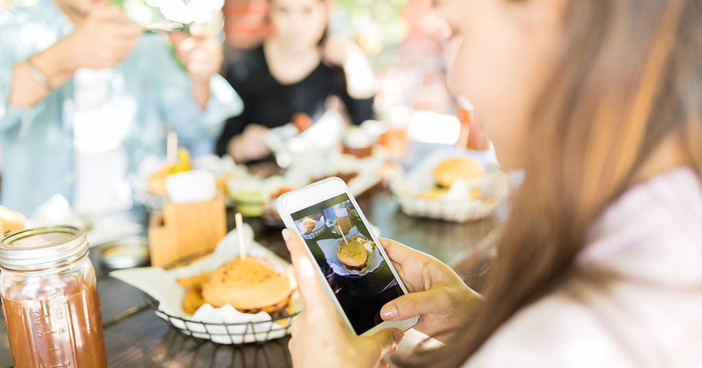 Study Says Social Media Marketing Can Help or Hurt