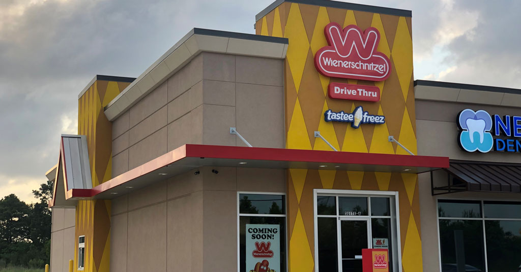 Wienerschnitzel Opens First Houston Area Location with Gusto
