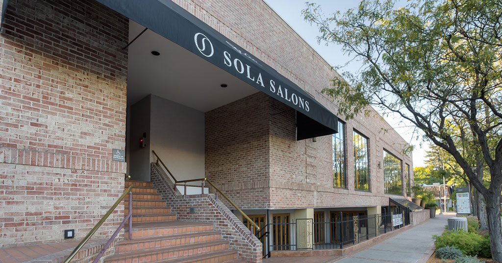 Multi-Unit Foodservice Operator Signs On With Sola Salon Studios